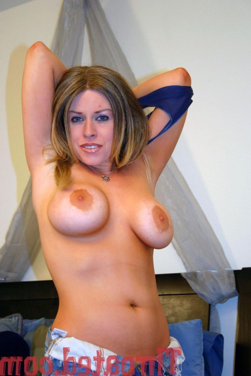 Молодая блядь упросила любовника дать ей пососать - порно фото