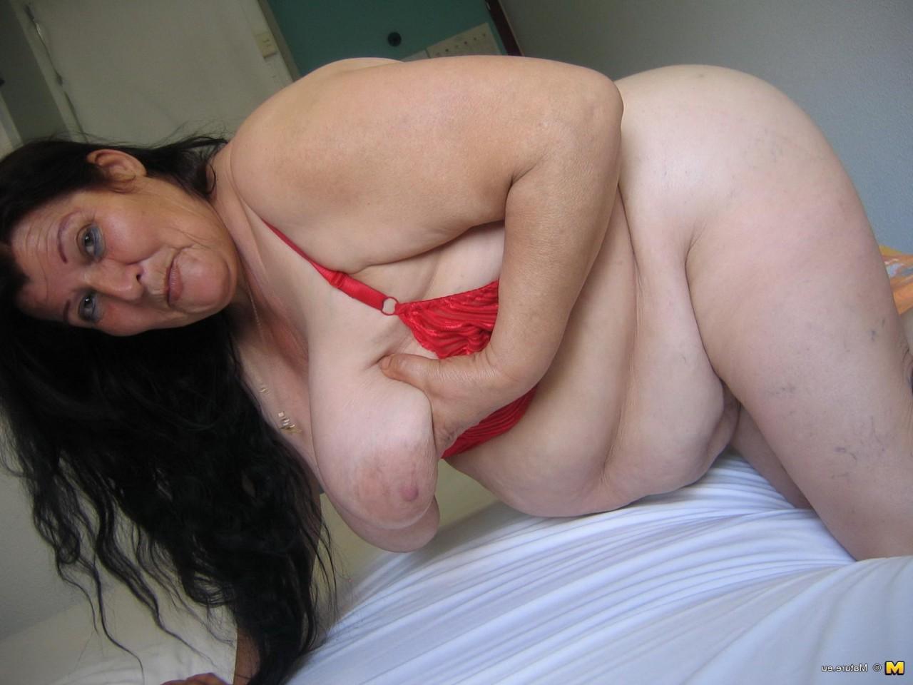 С толстой и жирной шалавой каждому захочется перепихнуться - порно фото