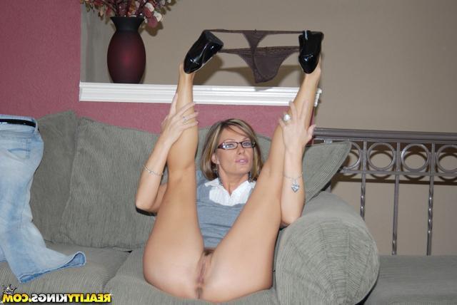 Если муж не может удовлетворить - порно фото