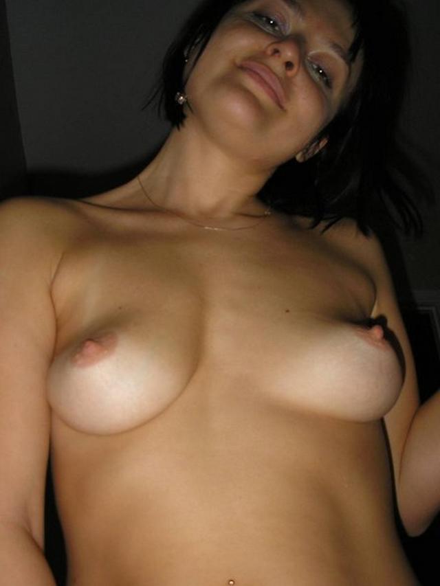 Стройная супруга всегда готова к сексу - порно фото