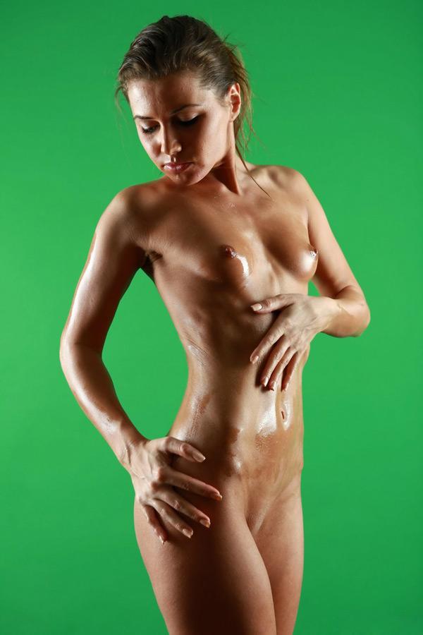 Загорелая модель - порно фото