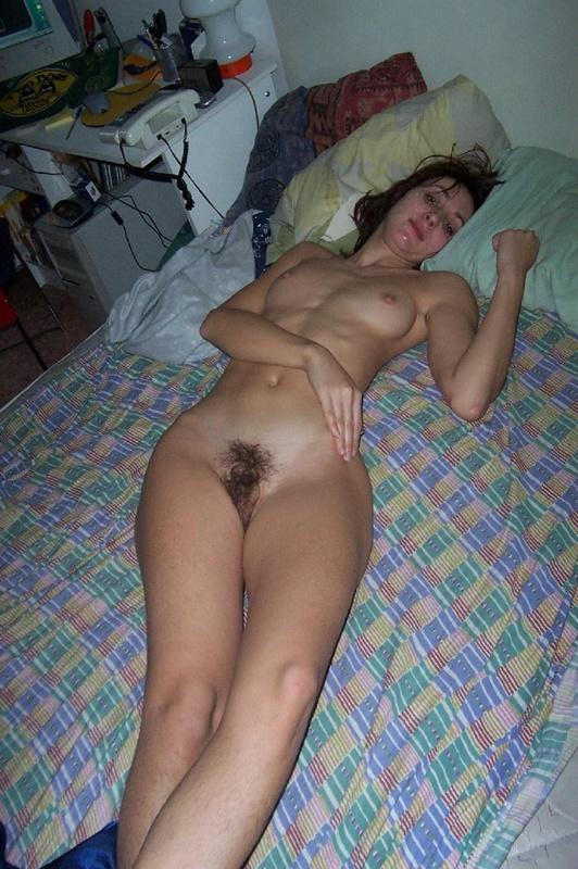 Залил спермой мордашку брюнеточки - порно фото