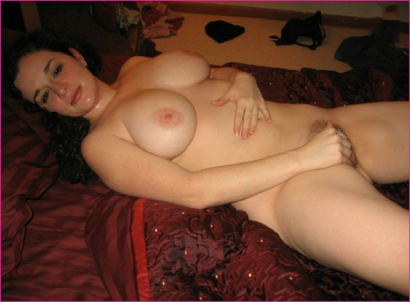 Толстожопая мисс удивляет парня после секса - порно фото