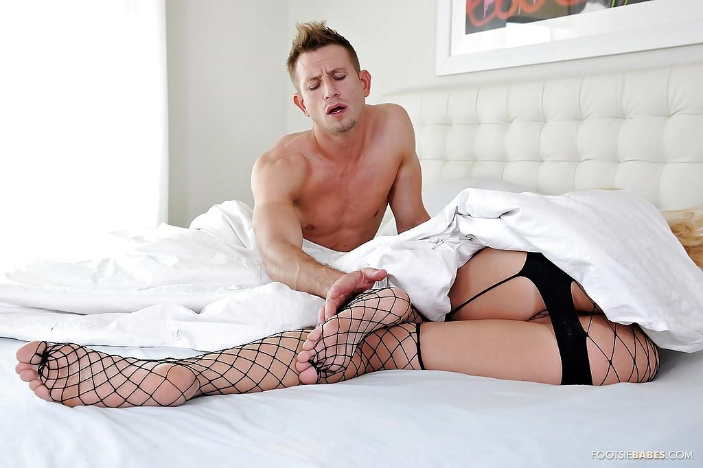 Супруга Natasha Nice стала приставать к мужу - порно фото