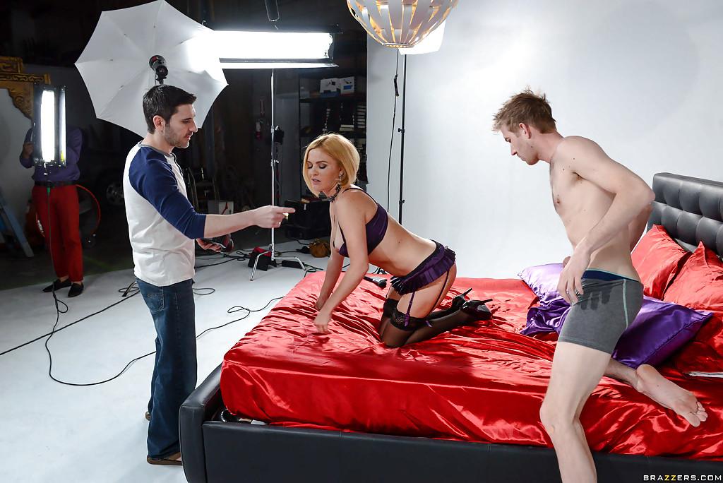 Krissy Lynn на съемках отдалась незнакомцу в разных позах - порно фото